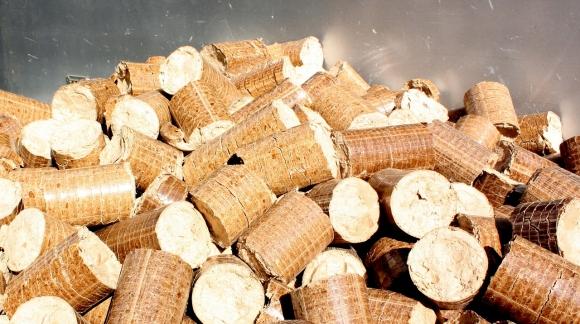 Poêles à bois vs poêles à pellets